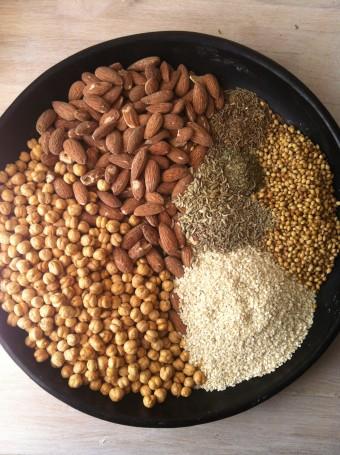 Dip je brood in dukkah nadia en merijnnadia en merijn for Palestijnse keuken